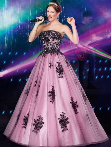 Vestido de Debutante Rendado Preto com Rosa